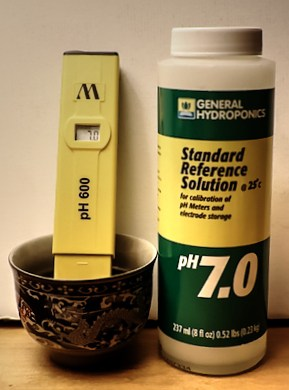PH-Meter-and-Calibration-Fluid